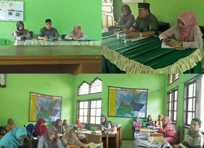 Rapat Bulanan, MIN 3 Muarojambi Bahas Persiapan Tahun Pelajaran 2018/2019